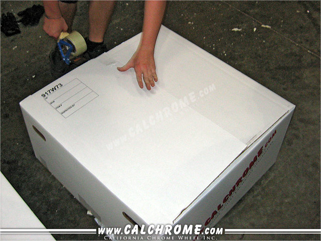 7. The box is sealed while foam is expanding.